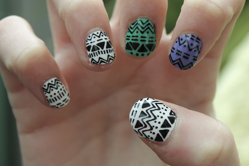 Boom nails april 2012 for Disenos de unas 2012