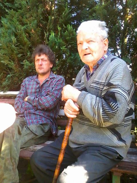 Jeżów k. Końskich - pan Zdzisław Lesiak z synem Markiem. Foto. Radosław Nowek.