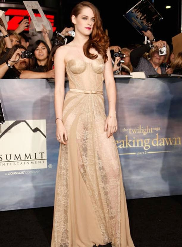 Foto Hot Gaun Transparan Kristen Stewart di Red Carpet
