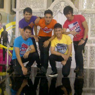 D'Flash Group Vocal Cowok-Cowok Ganteng