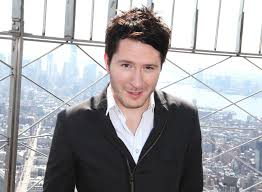 Owl City canta tema do filme Os Smurfs 2