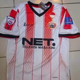 gambar jersey persija away terbaru musim depan full sponsor kualitas grade ori net tv columbia QNB league harga murah