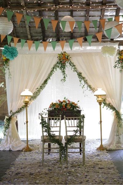 Low budget wedding always twenty simple decoration weddingku junglespirit Gallery