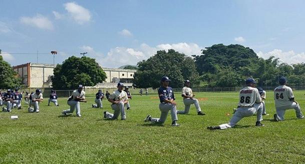 leones del caracas entrenamiento 2015