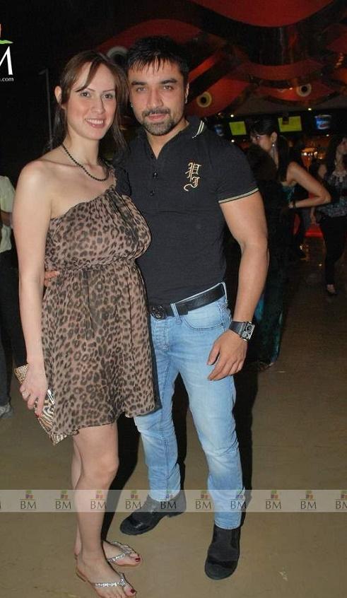 ajaz khan wife