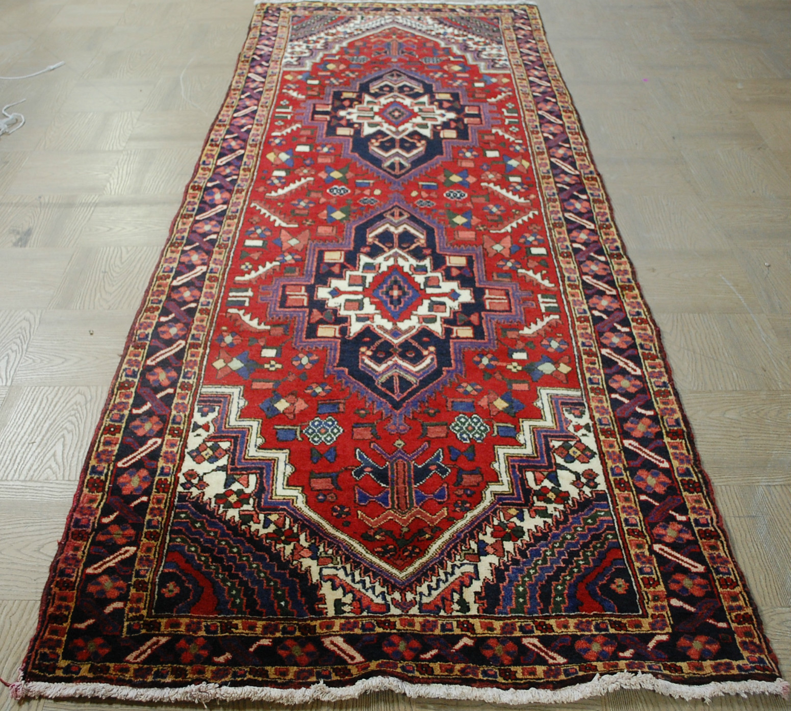 Because It's Awesome: Decor // Persian Rugs