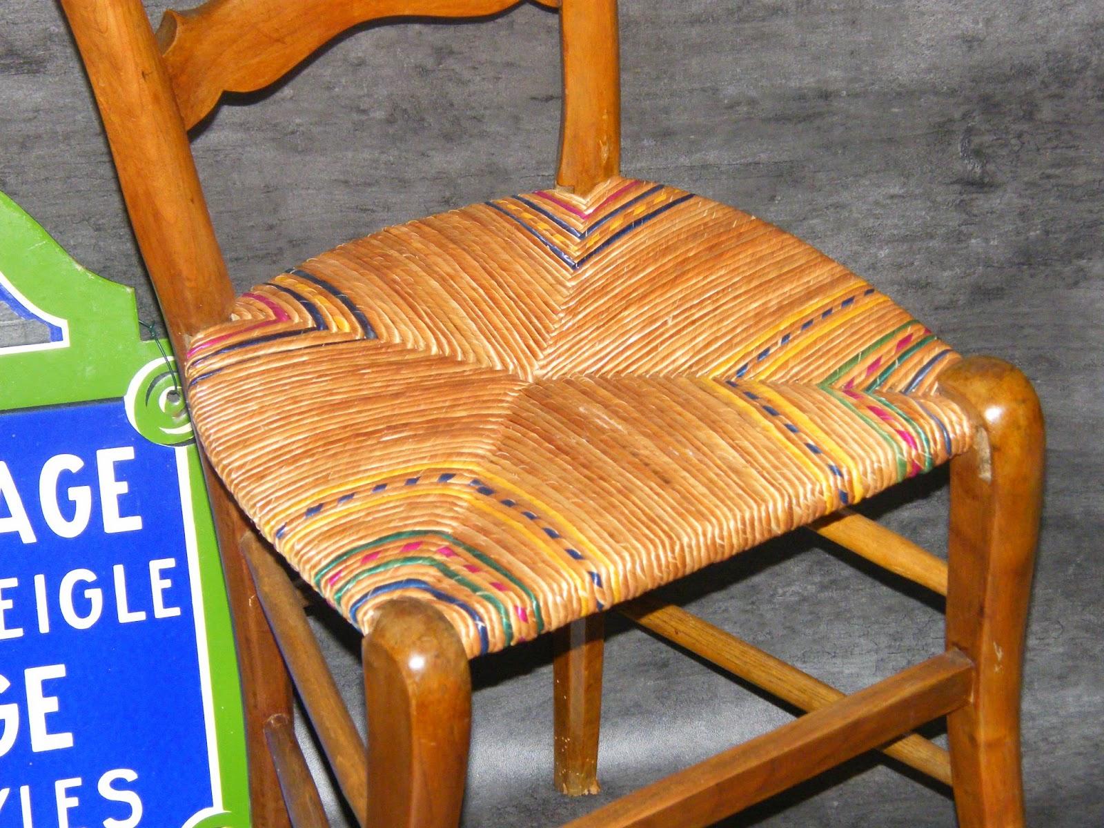 Normandie cannage rempaillage de chaise de cuisine en for Rempaillage de chaises