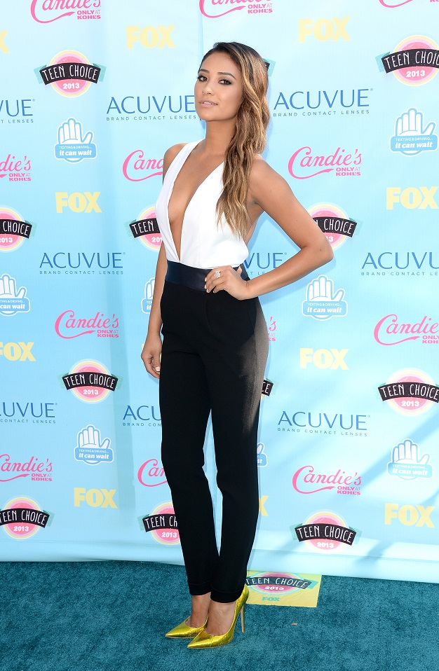 Shay Mitchell - Jenni Kayne Resort 2014 jumpsuit