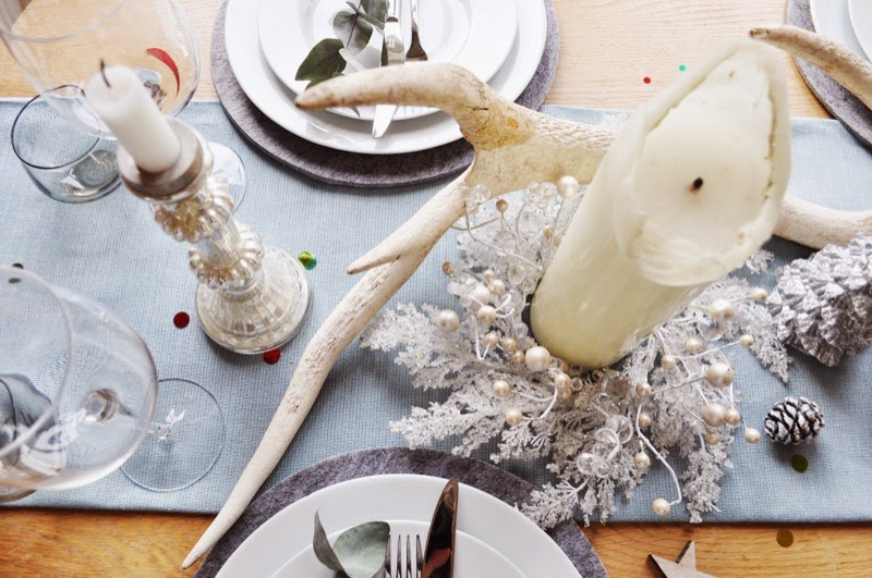Christmas table with antlers and table runner