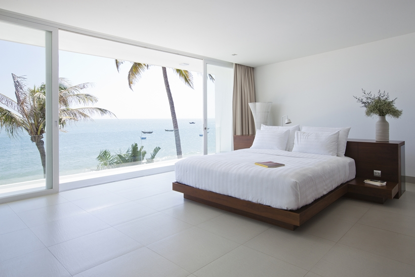 bedroom with ocean view - Modern Beach House Interior