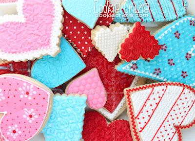 http://www.cookiecrazie.com/2015/02/textured-valentine-heart-cookie.html