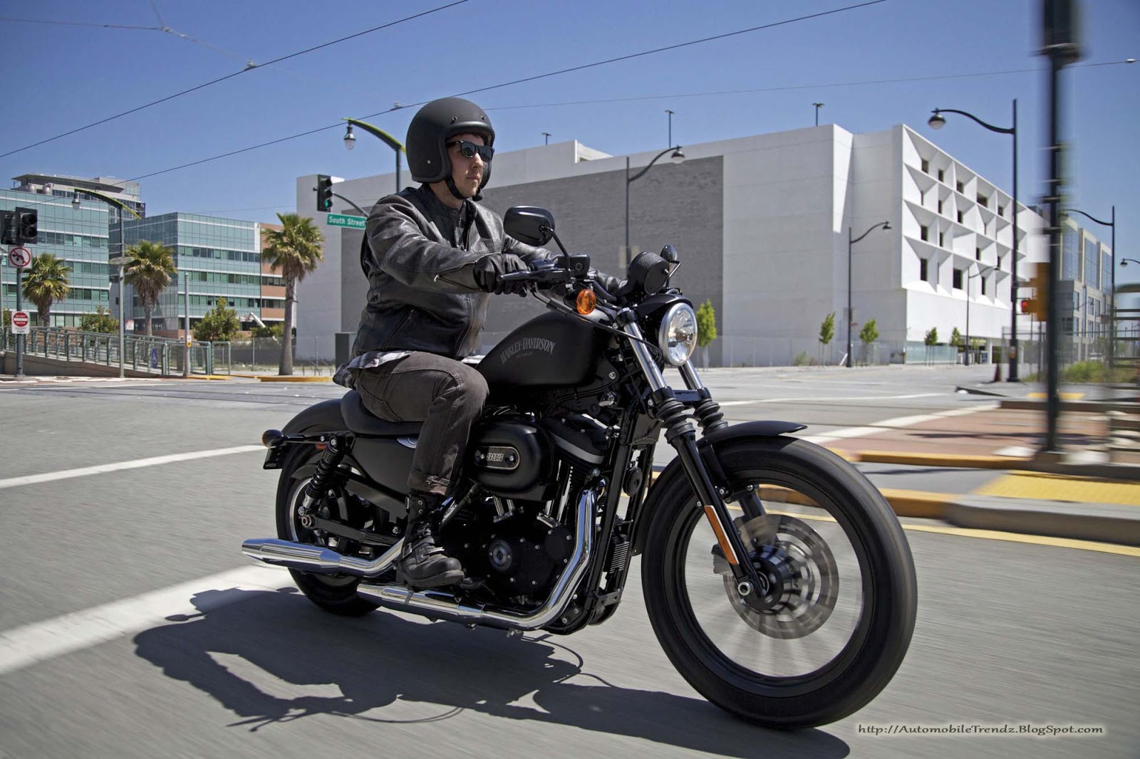 Automobile Trendz Harley Davidson 2013 Iron 883 4