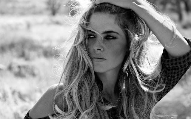 Weronika Rosati – 12 Important Dating Rules for Classy Men and Women