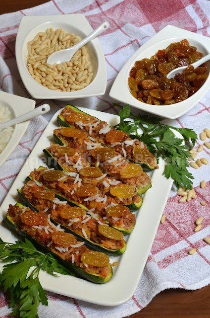 hiperica_lady_boheme_blog_di_cucina_ricette_gustose_facili_veloci_piatti_di_verdure_zucchine_ripiene_pinoli_e_uvetta_1