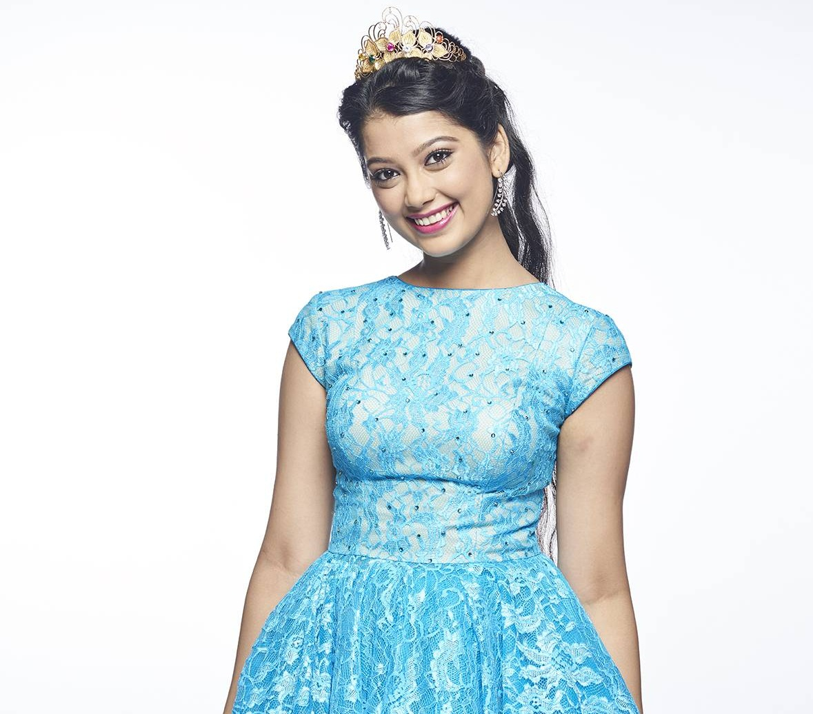 flying pc games download with Digangana Suryavanshi Hd Wallpapers on File Big egg moreover 43057 likewise Earn To Die 2 Free Download additionally F 16 Fighting Falcon 154301 further Cristiano Ronaldo Cr7 Flying Shot Football Hd Wallpaper.