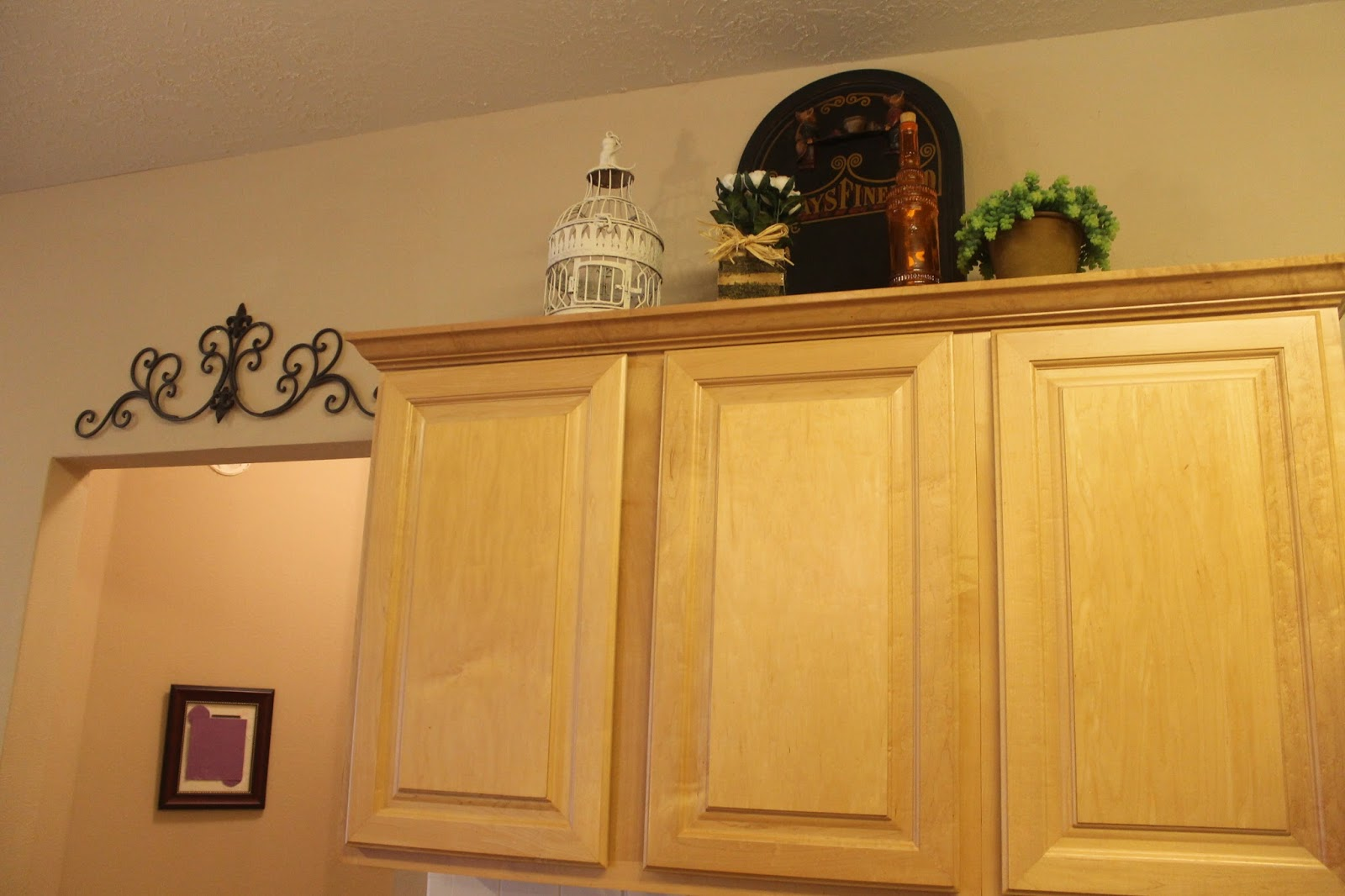Texas Decor: Rearranging the Tops of My Kitchen Cabinets