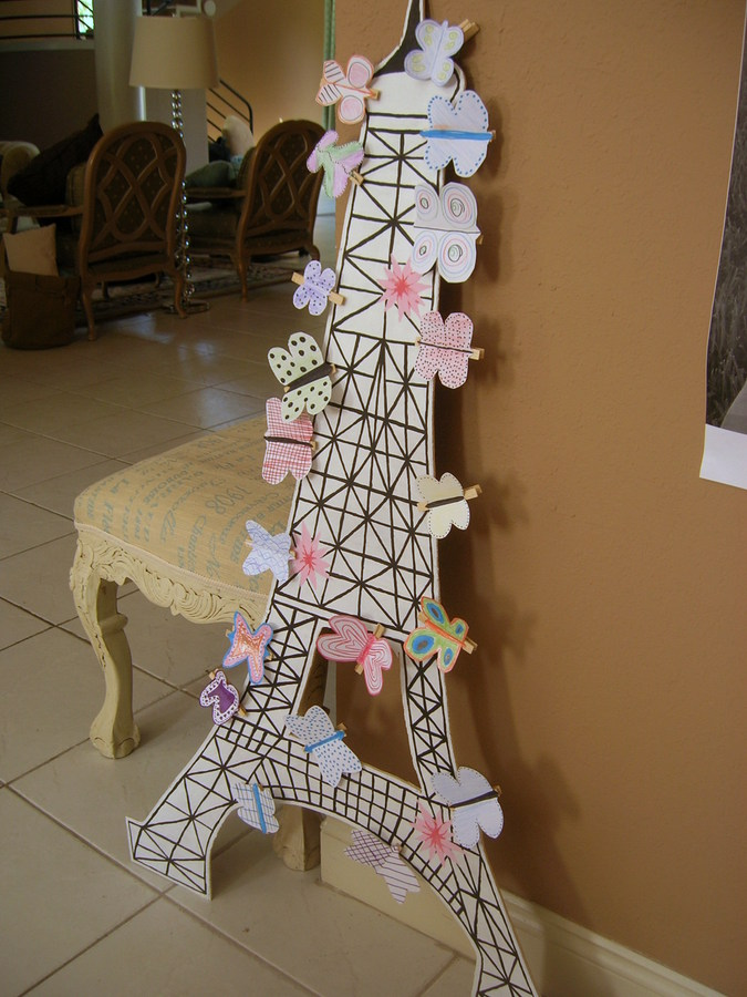 Cheap chic home paris themed party games for Paris decorations for home