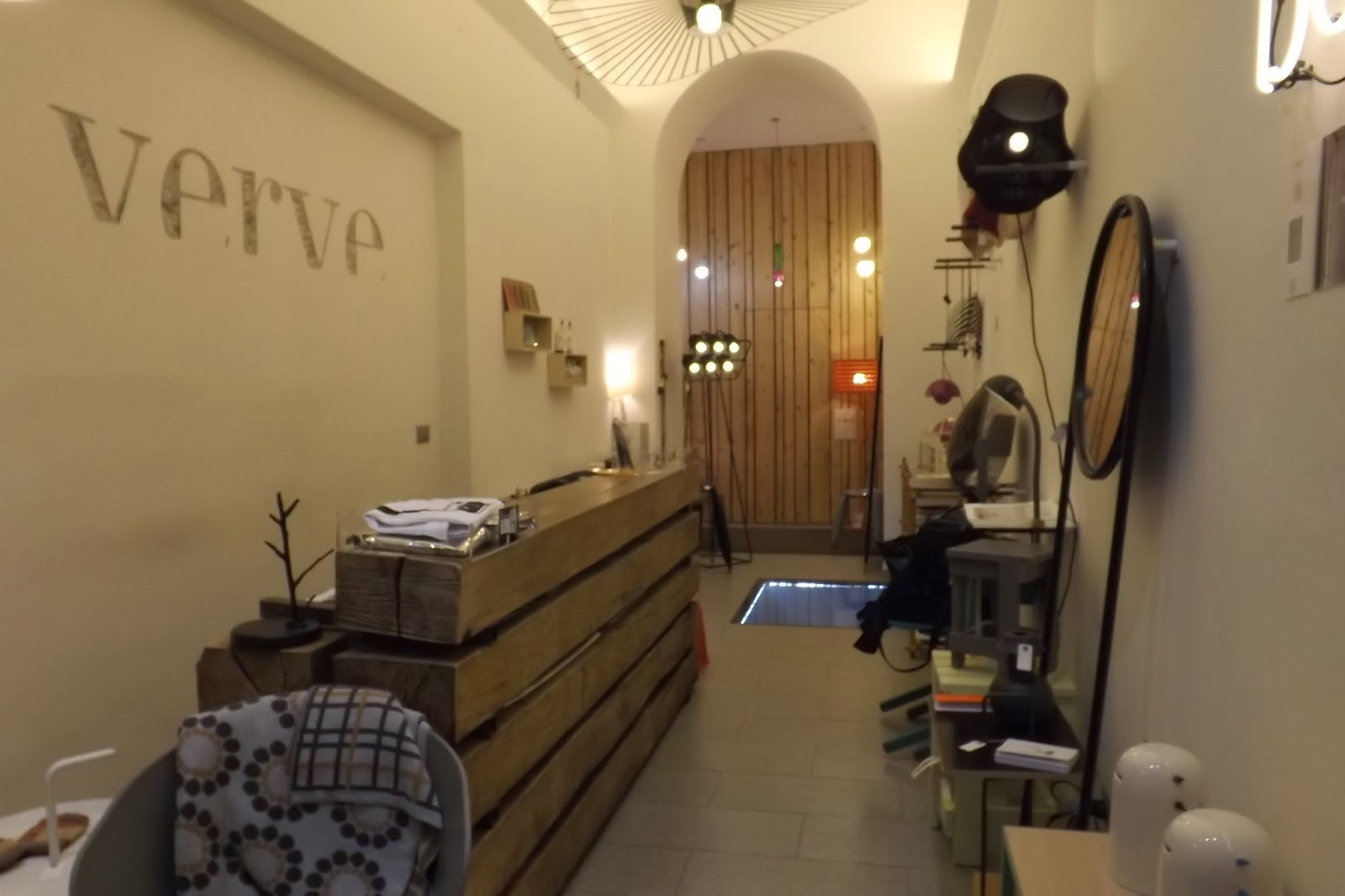Negozi arredamento torino design arredamento negozi for Arredo negozi torino