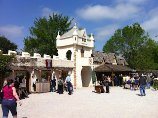 Ren Fair Renaissance Festival Scarborough Waxahachie BBQ Barbecue Barbeque Bar-B-Que Bar-B-Q Ribs