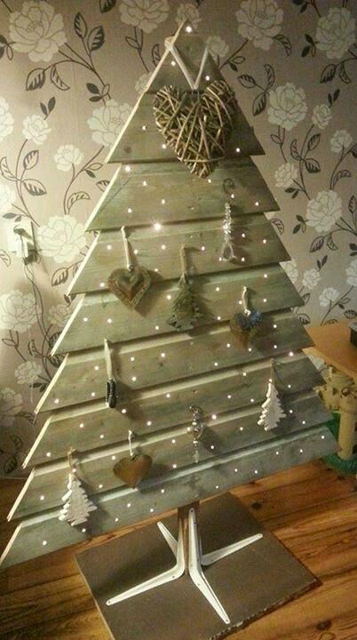 Icono interiorismo 17 originales dise os para hacer un for Como hacer un arbol de navidad original