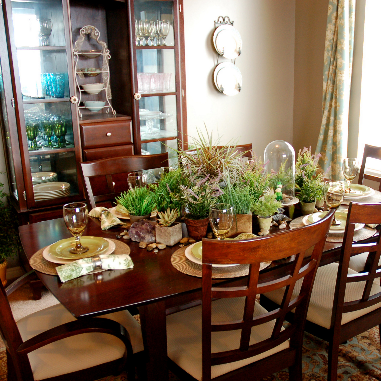Restlessrisa: St. Patty's Day In My Formal Dining Room