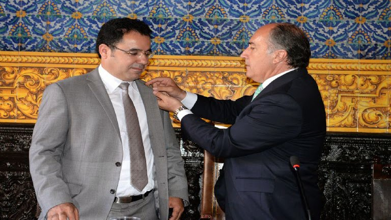 Fouad El Omari y su homólogo José Ignacio Landaluce