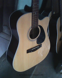 Harga Gitar Akustik Di Jakarta