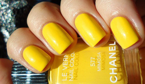 Does Nail Polish Make Your Nails Yellow