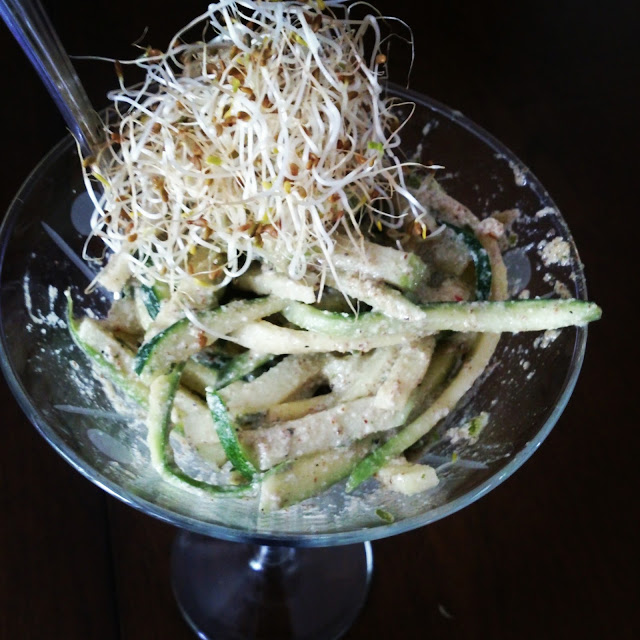 Spaghetti de courgettes et pommes vertes inspiration Crudessence #Cru # Vegan