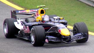 Gambar Mobil Balap F1 Red Bull 10