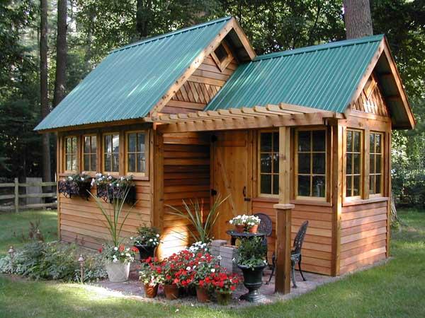 caseta de jardin de madera rustica