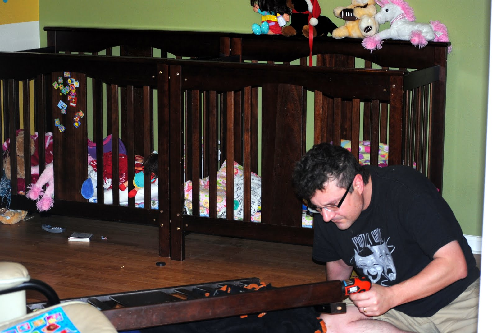Crib for triplet babies - Daddy Slaved Away All Morning Long Mommy Tended To A Feverish Sofia