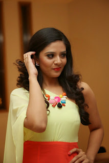 srimukhi pure beauty in lovely light yellow half sleeves