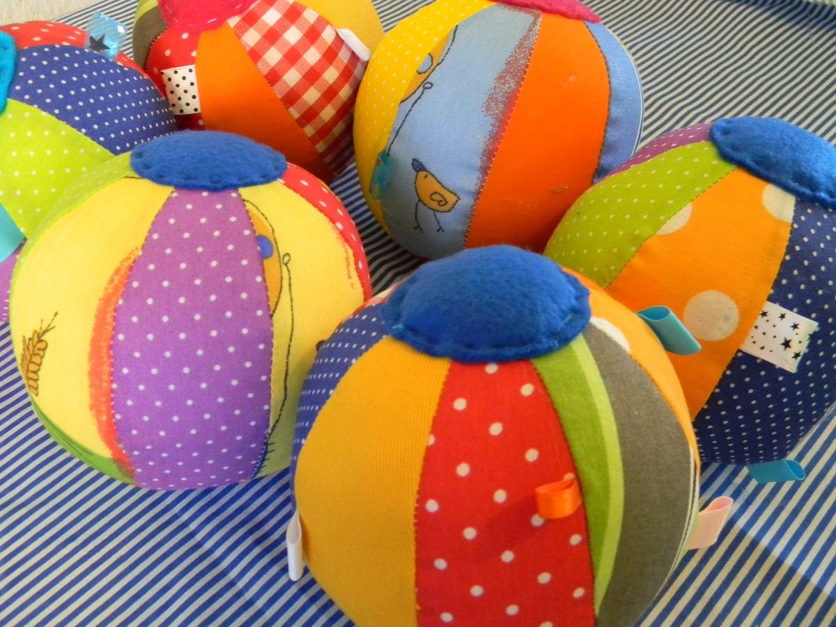 El rinc n de la educadora preescolar pelotas de tela - Telas con dibujos infantiles ...