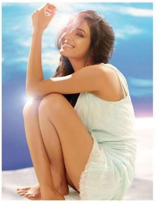Sonal Chauhan Hot Thigh Show Maxim Photoshoot 2