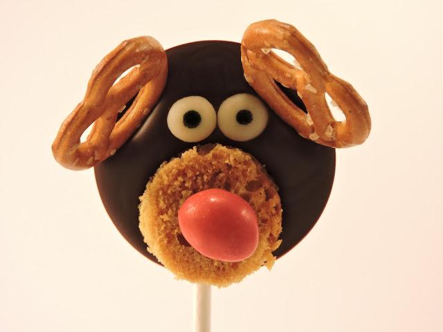 Sucettes en chocolat renne rudolf père noël bretzel