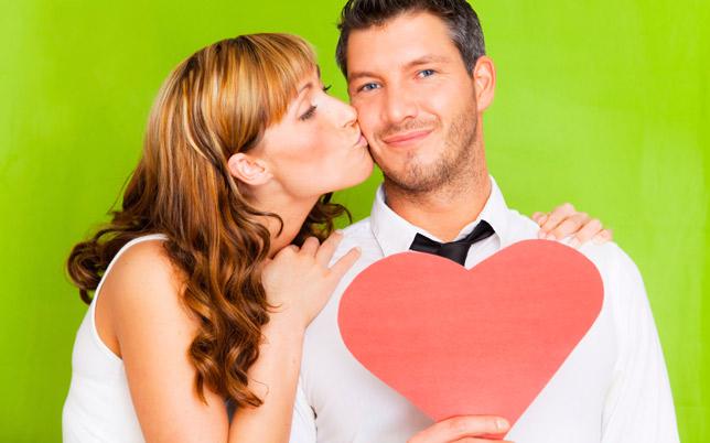 4 Cara Membuat Kekasih Semakin Jatuh Cinta - Semut Kampus