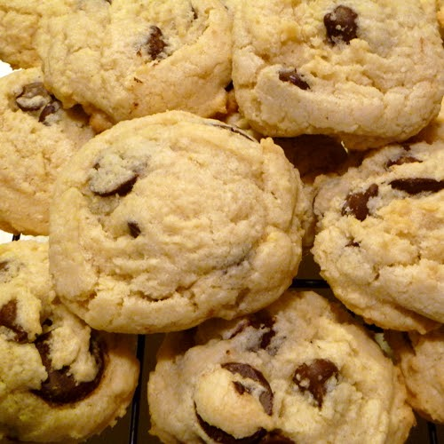 Cookistry: Almond Chocolate Chip Cookies