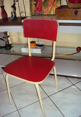 Vigi sant ssima achado vintage cadeira de f rmica - Como pintar sobre formica ...