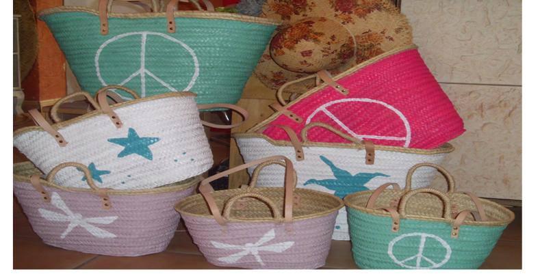 Popurri regalos decoraci n complementos cestas pintadas palma mallorca popurri regalos - Cestas para la playa ...
