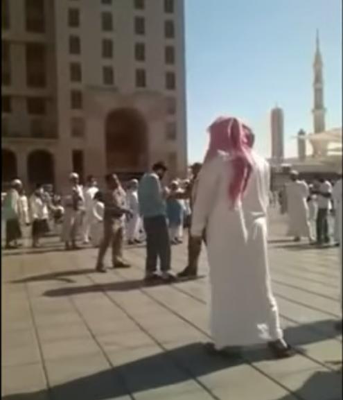 Seorang Syiah Iran Dihukum Cambuk Lantaran Kencingi Masjid Nabawi (Video)