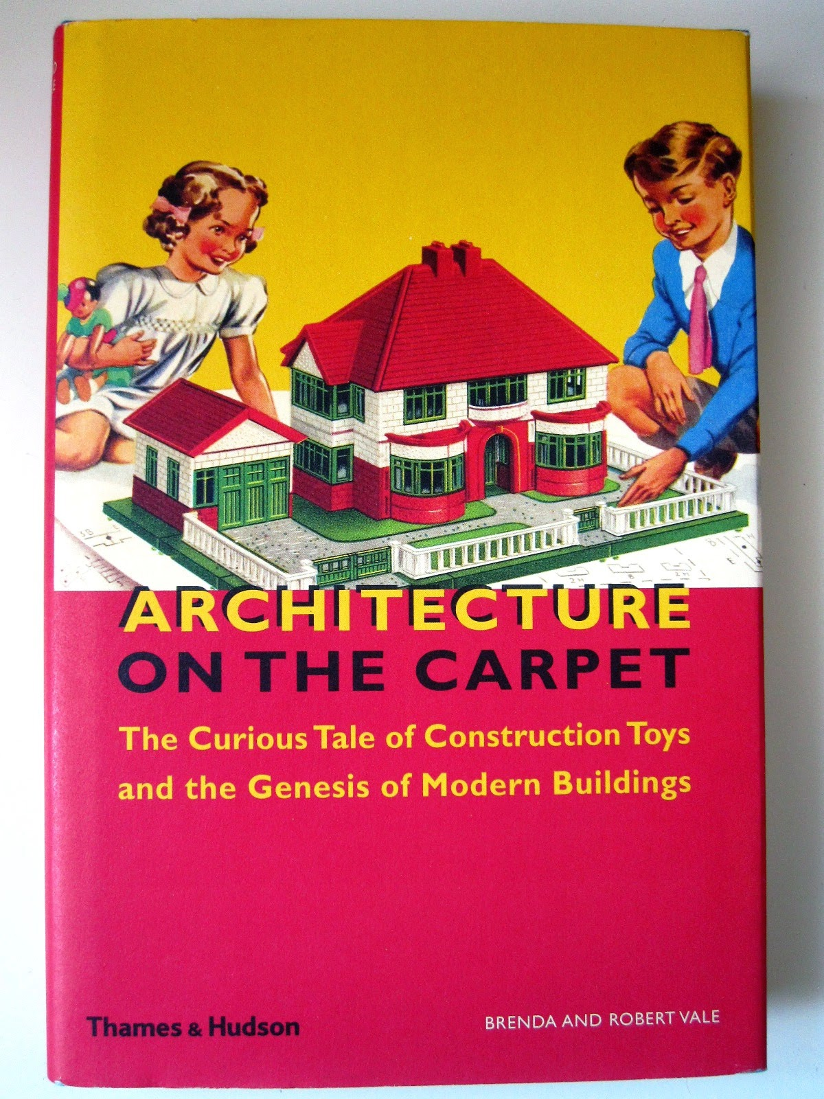 Front cover of the book Architecture on the Carpet by Brenda and Robert Vale.,