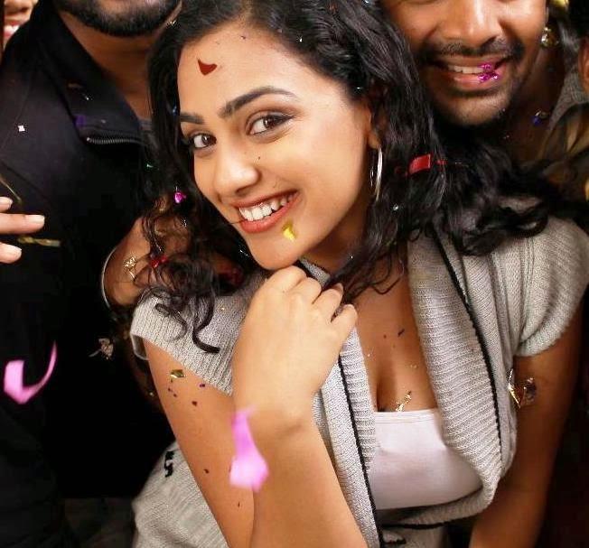 Nithya Menon Navel Show Images