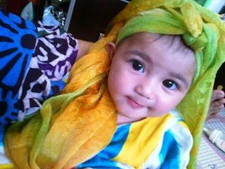 Gambar bayi lucu imut muslim berkerudung