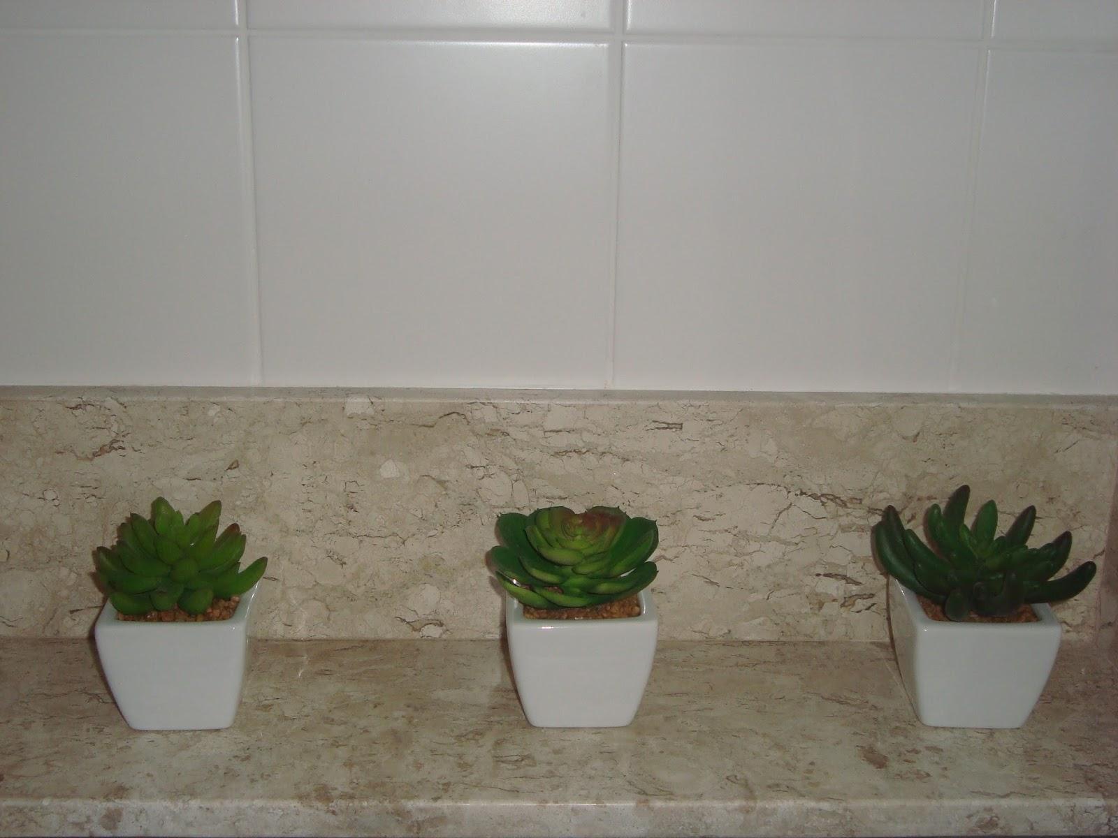 Casamento de Sílvio e Simone: Banheiro Social atualização II #495C24 1600x1200 Acessorios Banheiro 25 De Março