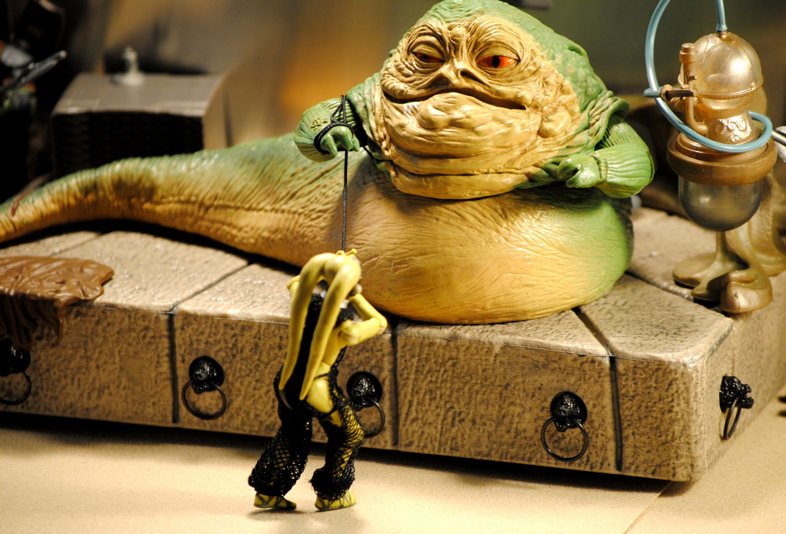 & ACTION FIGURE EMPIRE: Jabba The Hutt and Oola: The Dance of Death