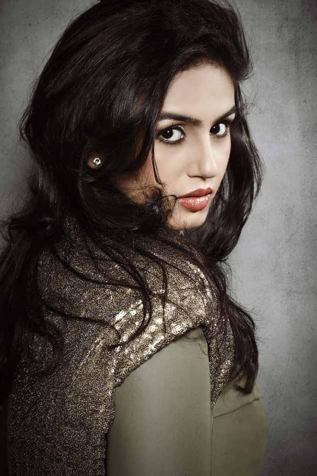 Huma Qureshi latest hot photo shoot