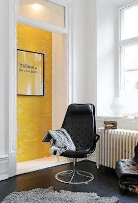 interiores gris y amarillo