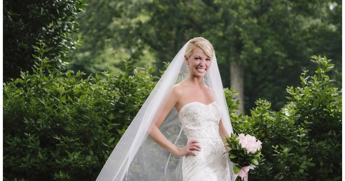 Red apple tree photography becky 39 s bridal portrait for Wedding dress greenville sc