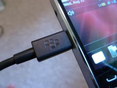 10. Charge perangkat Anda atau beli baterai cadangan